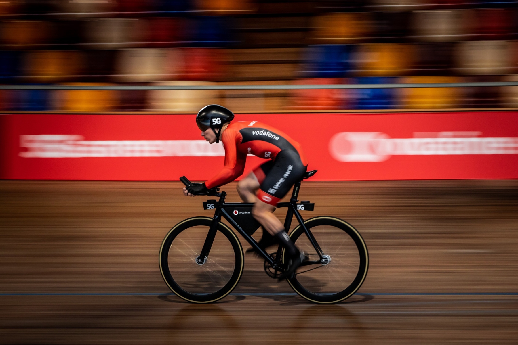 ALKMAAR - Paralympisch kampioen wielrennen  Tristan Bangma, kan dankzij het snelle 5G netwerk van Vodafone zelfstandig de wielerbaan rond fietsen.  Foto: Diederik van der Laan / Dutch Photo Agency